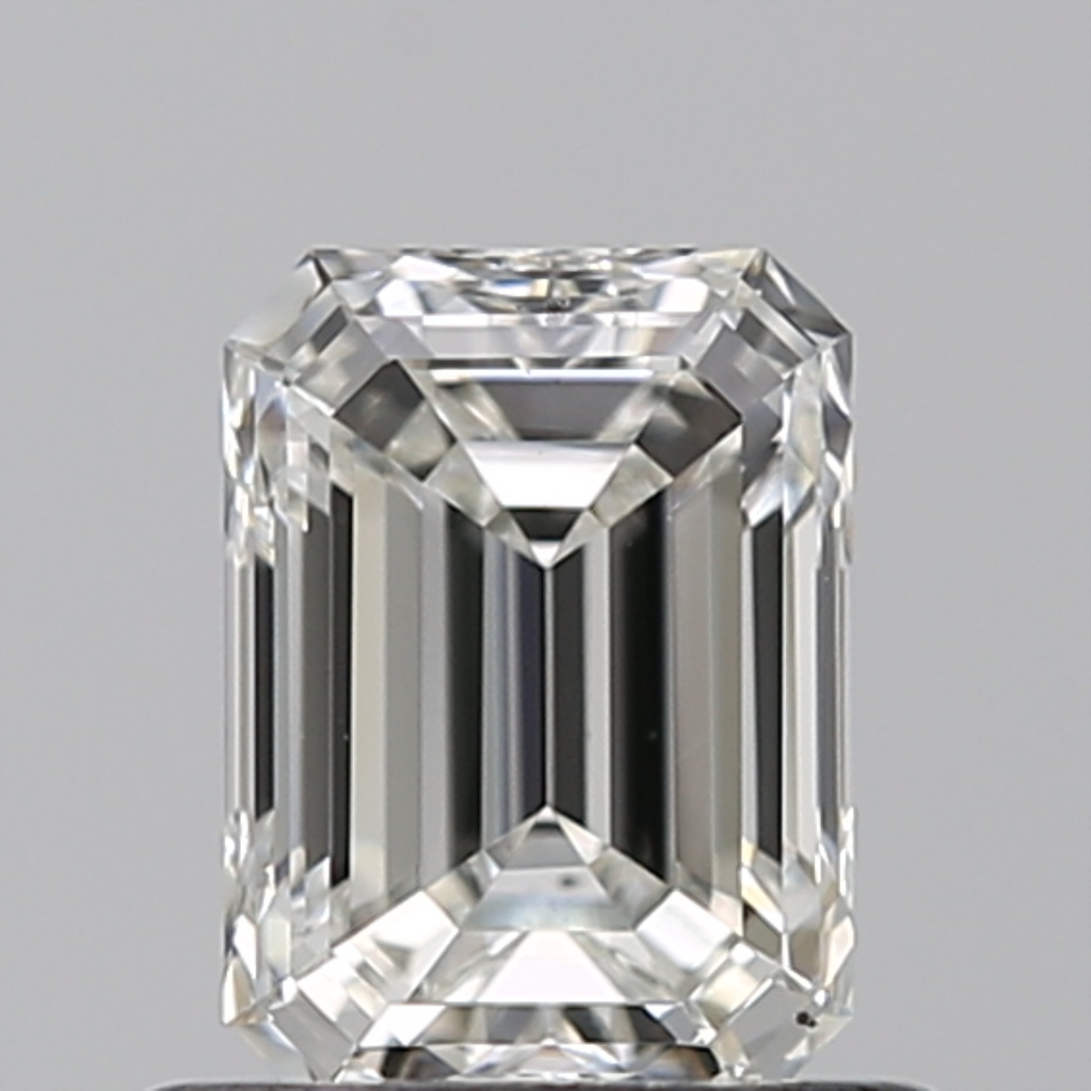 0.70 ct Emerald Cut Diamond : G / VS2