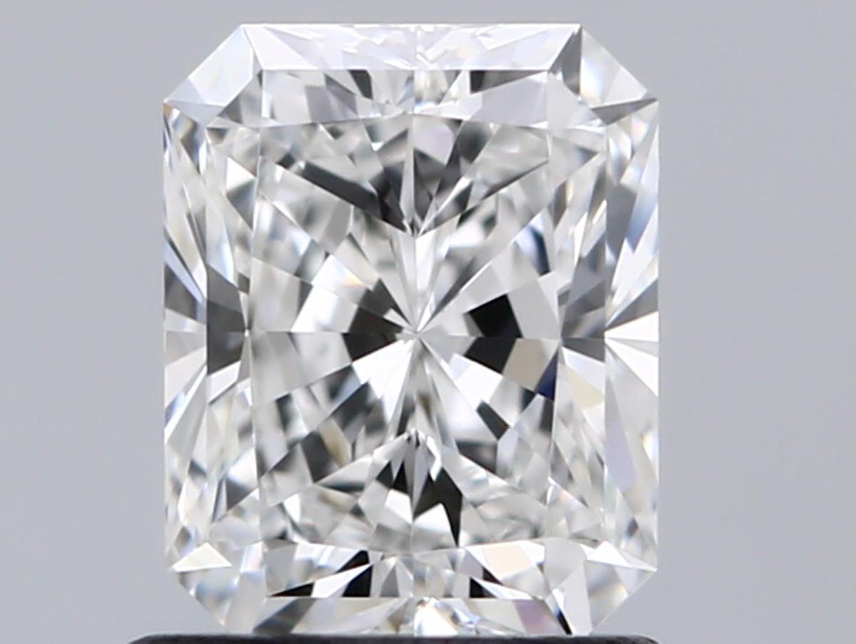 1.02 ct Radiant Diamond : E / VVS1