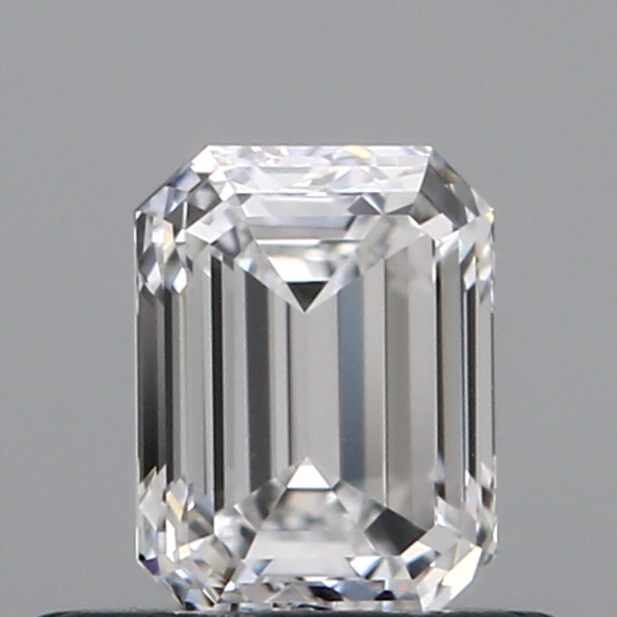 0.50 ct Emerald Cut Diamond : E / VVS1