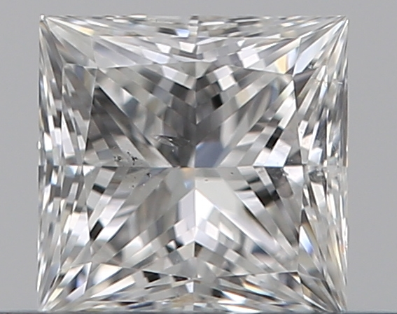0.30 ct Princess Cut Diamond : E / SI2