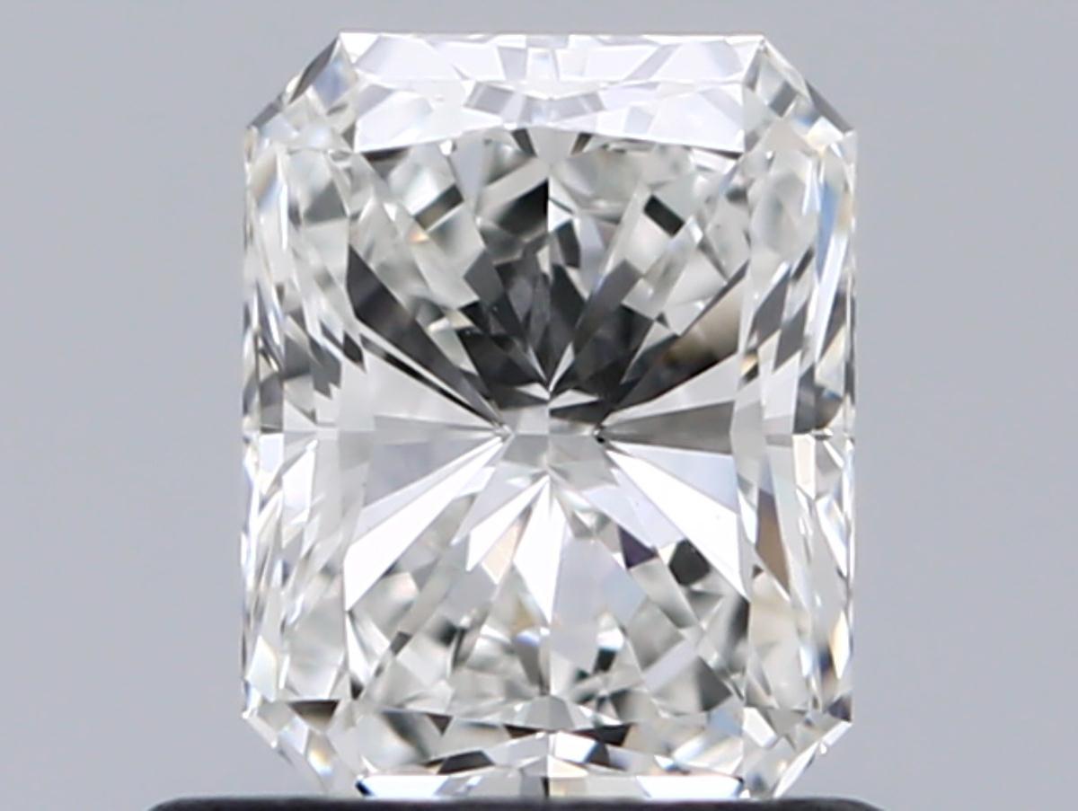 0.70 ct Radiant Diamond : F / VS1